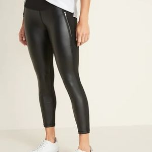 High-Rise 7/8-Length Zip-Pocket Street Leggings M